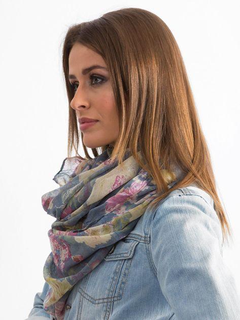 Szaro-niebieska chusta w kwiaty                              zdj.                              2