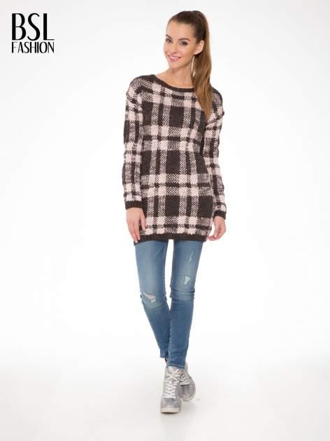 Szaro-różowy długi sweter w kratę                                  zdj.                                  2
