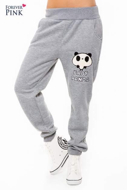 Szary dresowy komplet z motywem pandy                                  zdj.                                  5