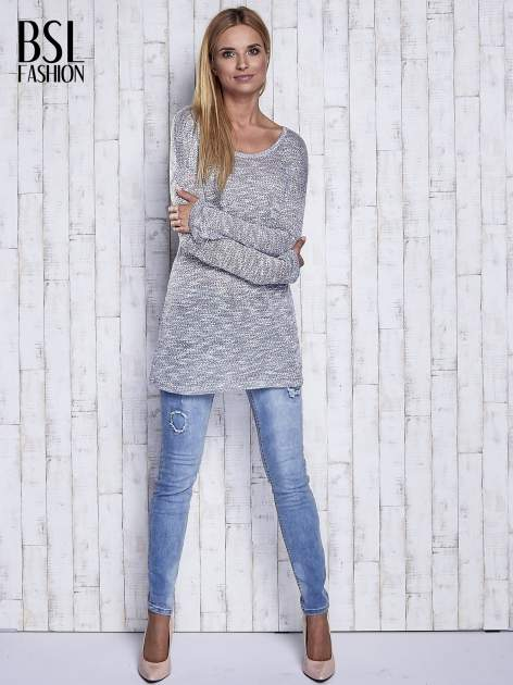 Szary melanżowy sweter z łezką na plecach                                  zdj.                                  2