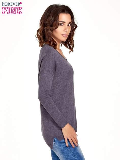 Szary sweter V-neck z rozporkami                                  zdj.                                  3