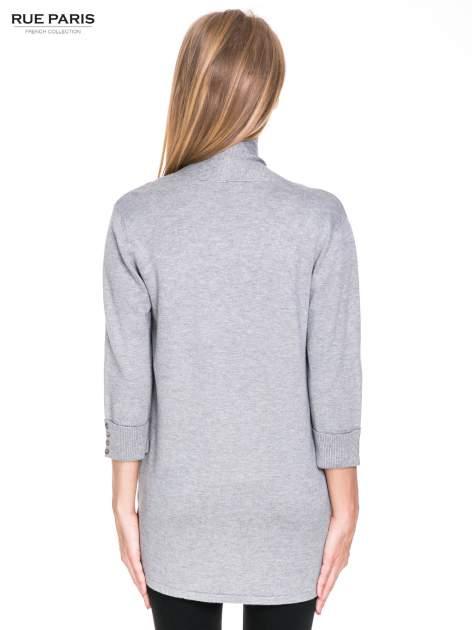 Szary sweter kardigan z podwijanym rękawami z guziczkami                                  zdj.                                  4