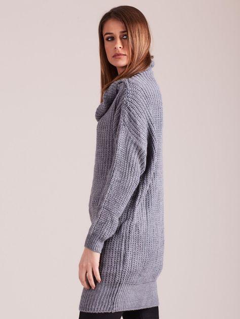 Szary sweter z luźnym golfem                              zdj.                              3