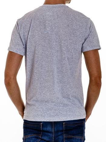 Szary t-shirt męski z marynarskim motywem i napisem SAILING                                  zdj.                                  3
