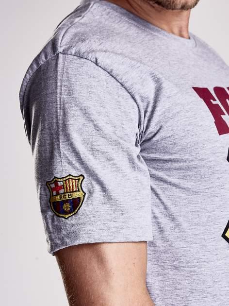 Szary t-shirt męski z motywem FC BARCELONA                                  zdj.                                  8