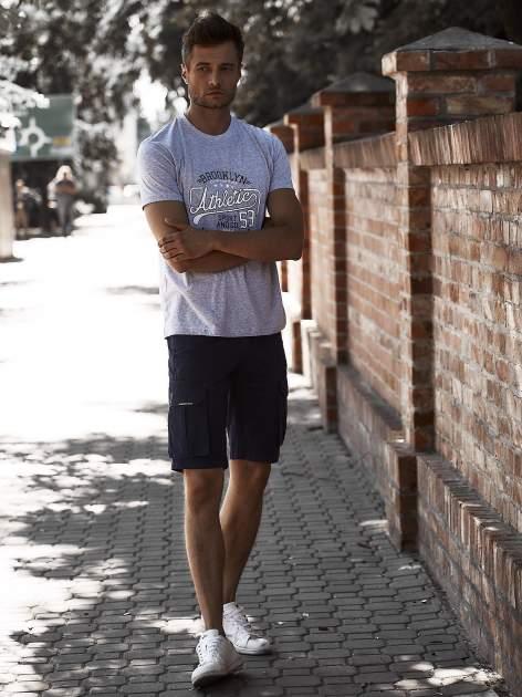 Szary t-shirt męski z napisem BROOKLYN ATHLETIC UNIVERSITY                                  zdj.                                  6