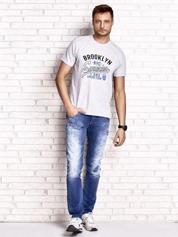 Szary t-shirt męski z napisem BROOKLYN NYC                                  zdj.                                  4