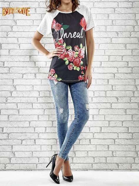 Szary t-shirt z kwiatowym nadrukiem i napisem UNREAL                                  zdj.                                  2