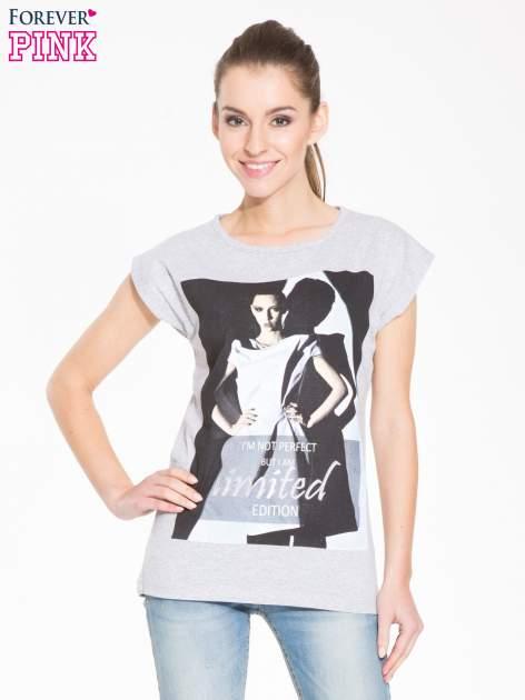Szary t-shirt z nadrukiem I'M NOT PERFECT BUT I AM LIMITED EDITION                                  zdj.                                  1