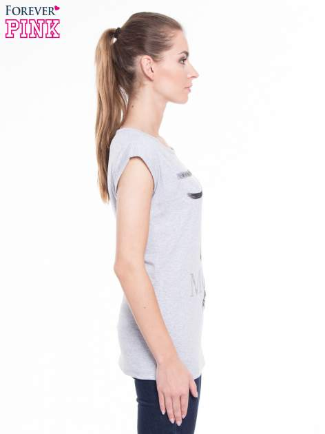 Szary t-shirt z nadrukiem kobiety i napisem MOVE                                  zdj.                                  2