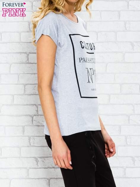 Szary t-shirt z napisem PARIS STUDIO z dżetami                                  zdj.                                  3