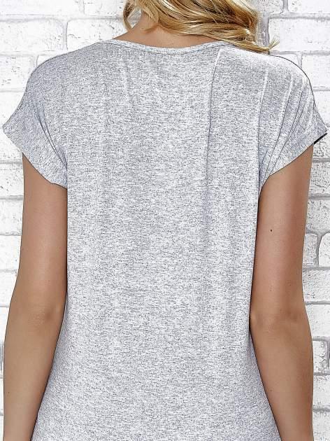 Szary t-shirt z napisem YOU ARE STAR IN MY HEART z dżetami                                  zdj.                                  6