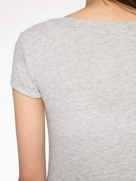 Szary t-shirt z napisem YOU DECIDE i cekinami                                  zdj.                                  10