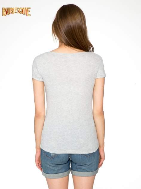 Szary t-shirt z napisem YOU DECIDE i cekinami                                  zdj.                                  4