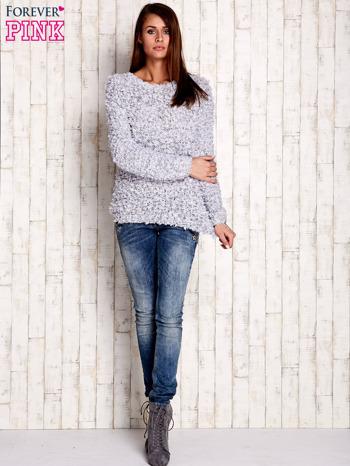 Szary włochaty sweter                                  zdj.                                  2