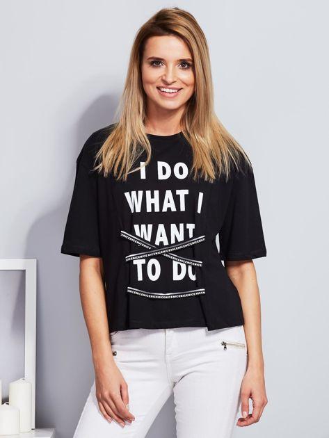 T-shirt czarny z napisem i graficznymi taśmami                                  zdj.                                  1