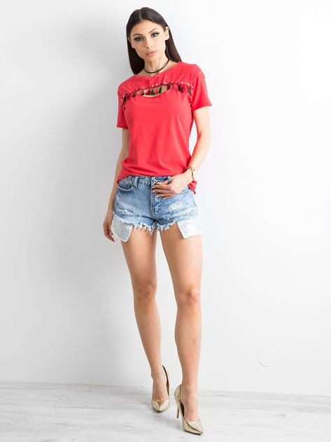 T-shirt damski z kolorowymi pomponikami czerwony                              zdj.                              4