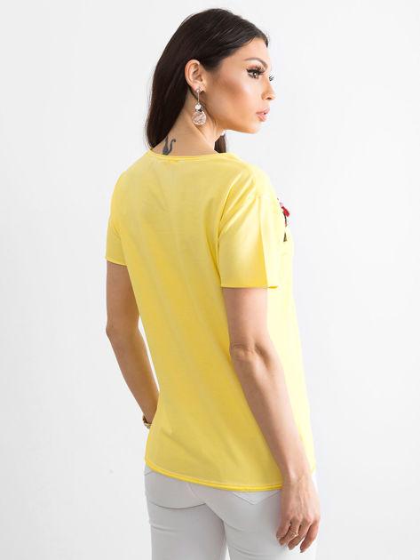 T-shirt damski z kolorowymi pomponikami żółty                              zdj.                              2