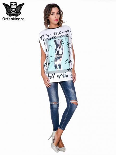 T-shirt o kimonowym kroju z nadrukiem w stylu fashion                                  zdj.                                  2