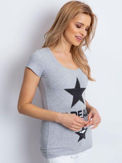 T-shirt szary z naszywką gwiazd                              zdj.                              3