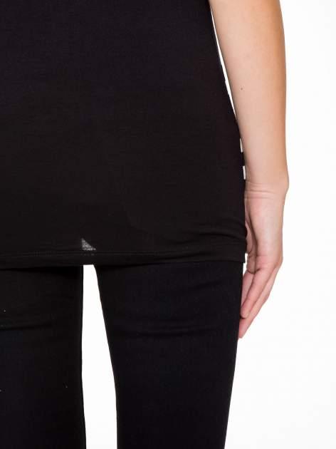 T-shirt w biało-czarne paski z siateczkową górą                                  zdj.                                  9
