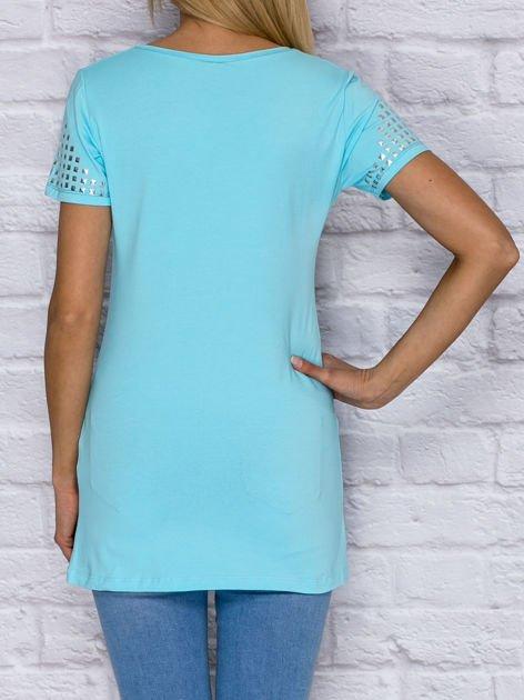 T-shirt z ćwiekami na rękawach turkusowy