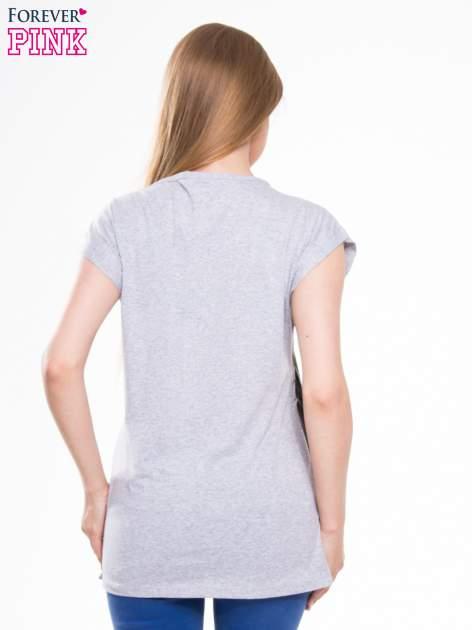 T-shirt z nadrukiem NEW YORK i szarą lamówką                                  zdj.                                  3