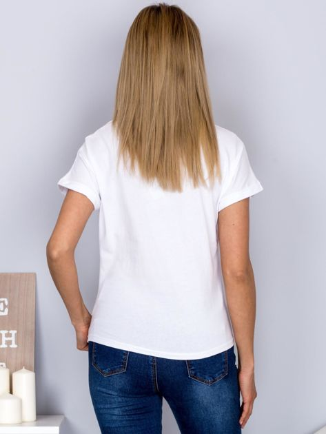 T-shirt z nadrukiem dziewczyny i rozcięciem biały                              zdj.                              2