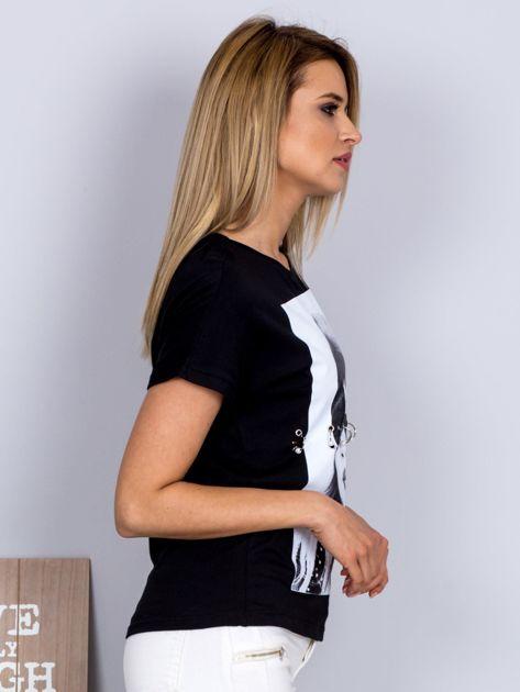 T-shirt z nadrukiem dziewczyny i rozcięciem czarny                                  zdj.                                  3