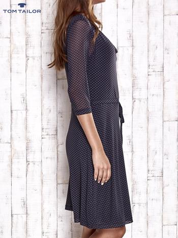 TOM TAILOR Granatowa sukienka w drobne romby z lejącym dekoltem                                  zdj.                                  3