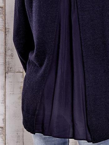 TOM TAILOR Granatowy sweter z materiałową wstawką z tyłu                                  zdj.                                  6