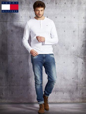 TOMMY HILFIGER Biała bluzka męska z guzikami                               zdj.                              4