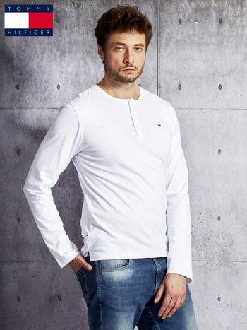 TOMMY HILFIGER Biała bluzka męska z guzikami                               zdj.                              1