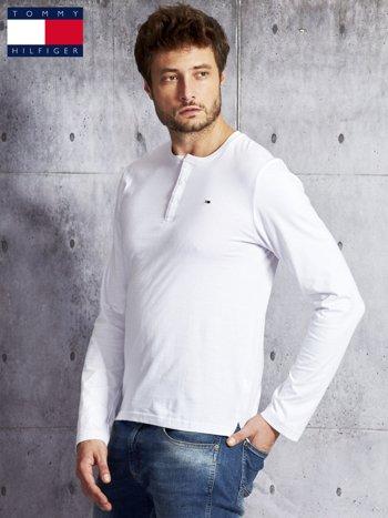TOMMY HILFIGER Biała bluzka męska z guzikami                               zdj.                              3