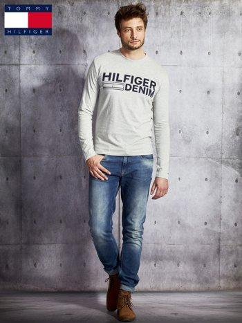 TOMMY HILFIGER Szara bluzka męska z nadrukiem                                  zdj.                                  4