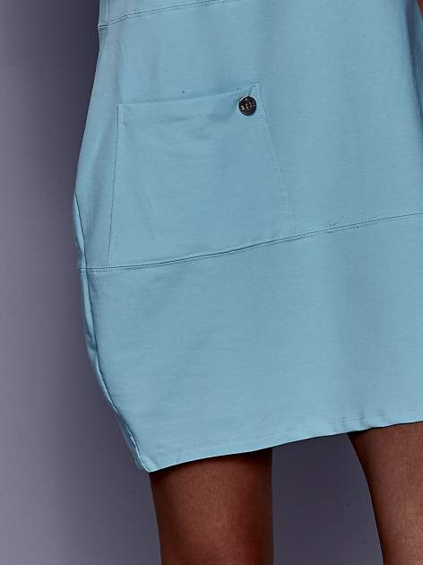Turkusowa sukienka dresowa z kieszenią z boku                                  zdj.                                  5