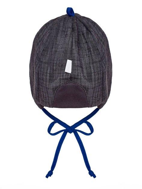 Wiązana czapka chłopięca z naszywką robota i daszkiem szaro-kobaltowa                              zdj.                              2