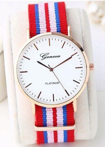 Zegarek unisex na kolorowym nylonowym pasku                              zdj.                              1