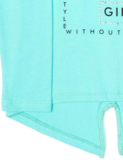 Zielona bluzka dla dziewczynki z napisem i aplikacją                              zdj.                              7