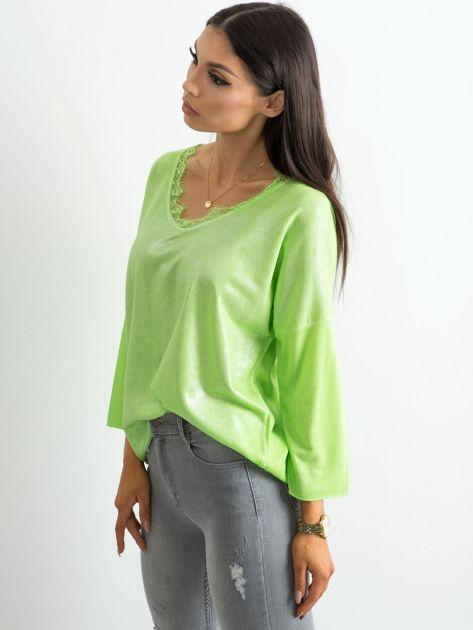 Zielona bluzka z delikatnym połyskiem                              zdj.                              3