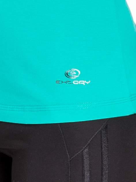 Zielona gładka bluzka sportowa z dekoltem U PLUS SIZE                                  zdj.                                  5