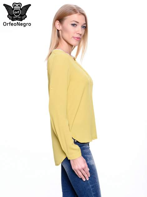 Zielona koszula z ażurową lamówką                                  zdj.                                  3