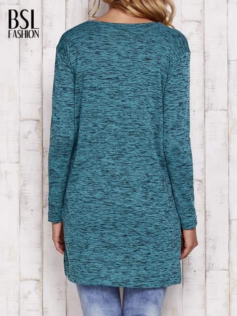 Zielona melanżowa bluzka z przedłużanym tyłem                                  zdj.                                  4