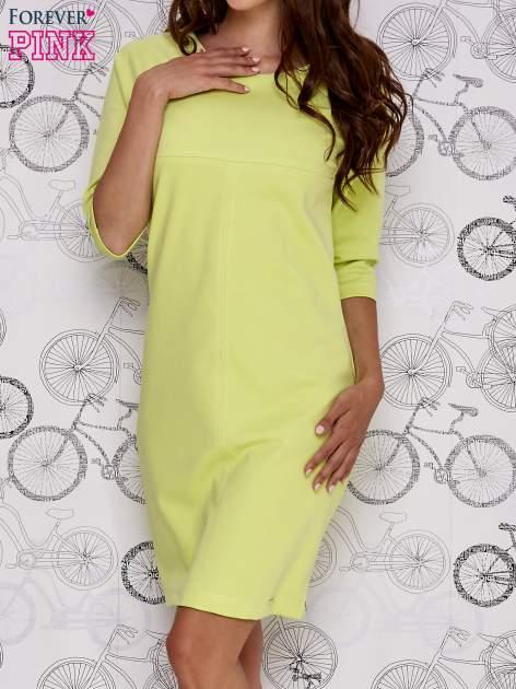Zielona sukienka dresowa z suwakiem z tyłu