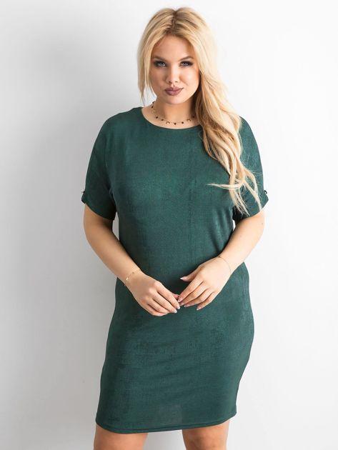 Zielona sukienka z delikatnym połyskiem PLUS SIZE                              zdj.                              1