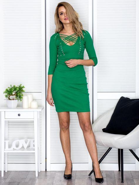 Zielona sznurowana sukienka w prążek                              zdj.                              4
