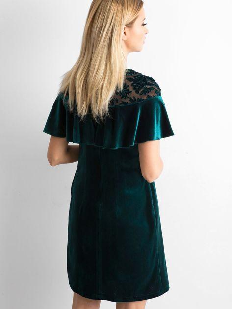 Zielona welurowa sukienka z falbaną                              zdj.                              2