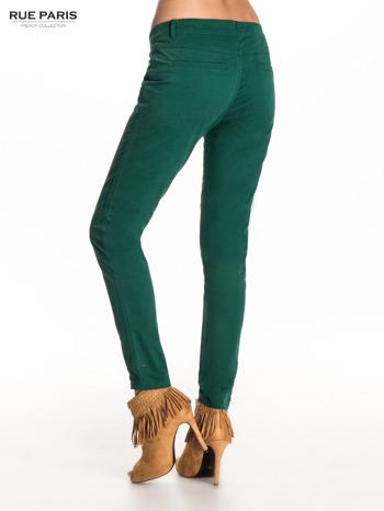 Zielone spodnie materiałowe w stylu chinos                                  zdj.                                  2