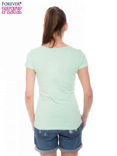 Zielony basicowy t-shirt z okrągłym dekoltem                                  zdj.                                  3