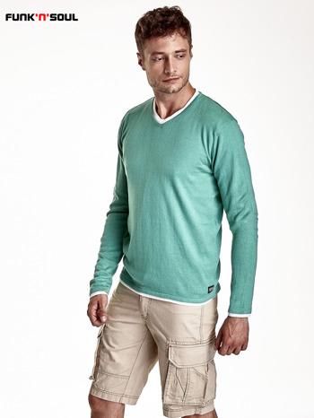 Zielony sweter męski w serek Funk n Soul                                  zdj.                                  2